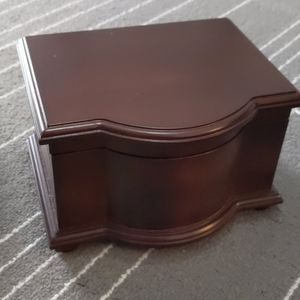 Wooden jewelry box Bombay